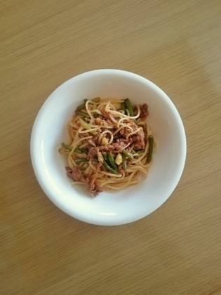 牛バラニンニクの芽炒めスパゲティ
