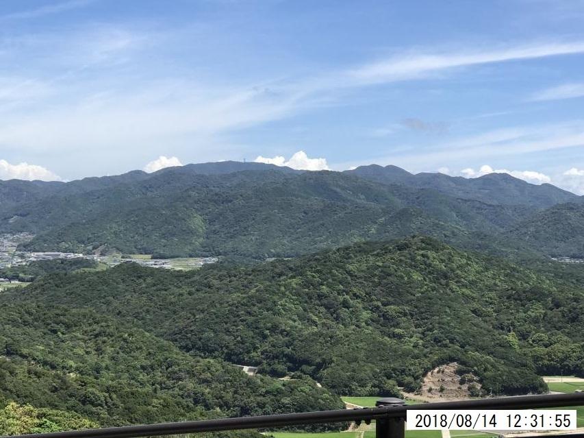 大見山から諭鶴羽山を眺める