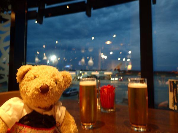 ウィーン空港でビール