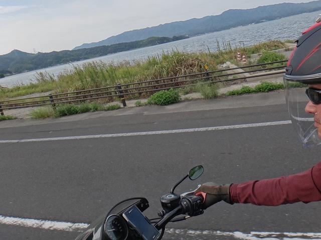 s-14:55大根島堰堤道路