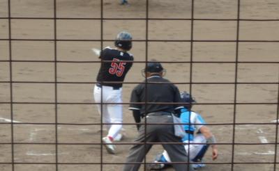 P81027753番が三振で2死二、三塁から4番が左越えエンタイトル二塁打