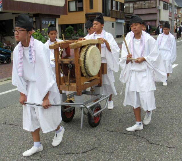 尾花沢祭・行列3