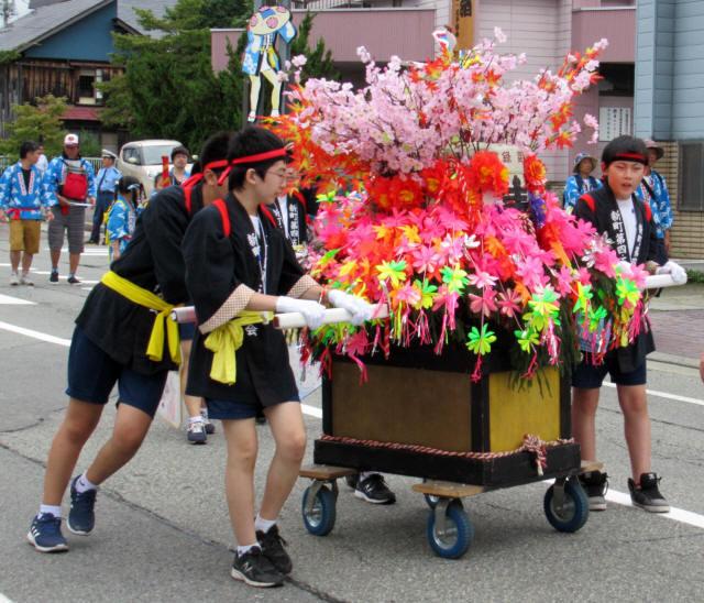 尾花沢祭・行列9