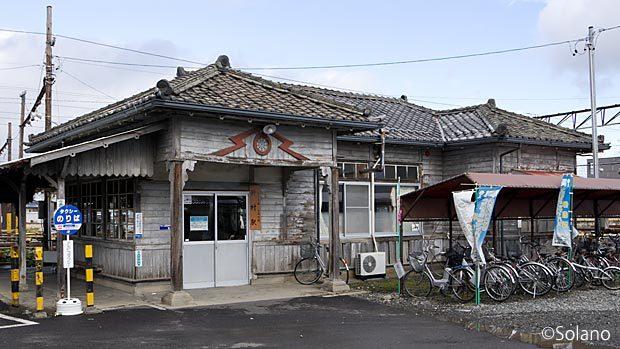 アルピコ交通(松本電鉄)・新村駅の木造駅舎