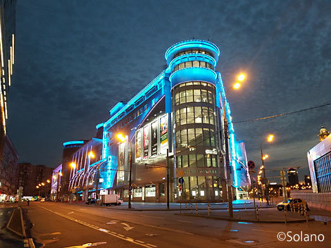 モスクワの巨大ショッピングセンター・エヴエロペイスキーの夜景