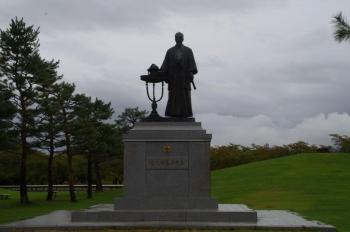 川中島古戦場史跡公園 佐久間象山像
