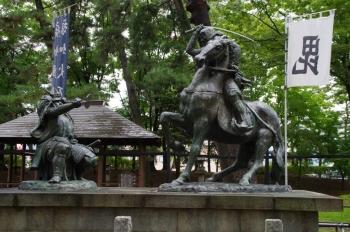 川中島古戦場史跡公園 武田信玄・上杉謙信の一騎打ち像
