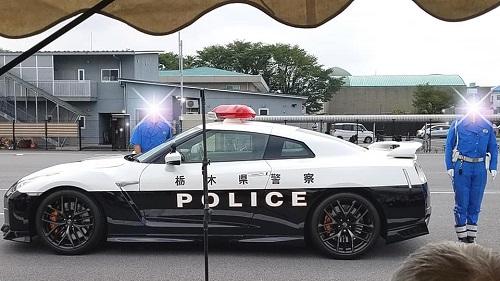 栃木県警察本部「可搬式オービス」と「GT-R」!①