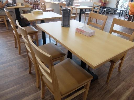 テーブル席一部