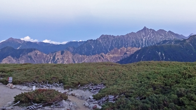 三俣山荘から 大天井岳~槍ヶ岳~穂高岳と硫黄岳