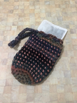 アフガン編みの巾着(縦画像)