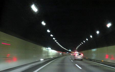 822八風山トンネル