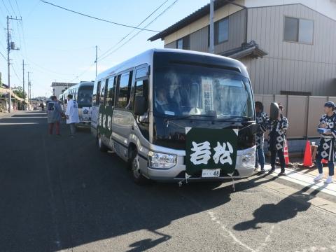 「石岡のおまつり」青年会長顔合わせバスパレード (8)