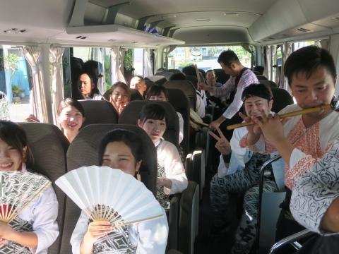 「石岡のおまつり」青年会長顔合わせバスパレード (10)