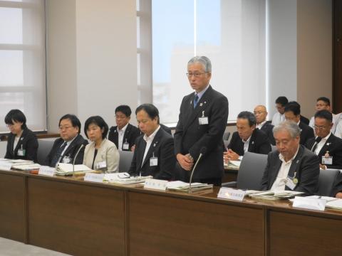 2「いじめ防止対策推進条例」政務調査会① (10)