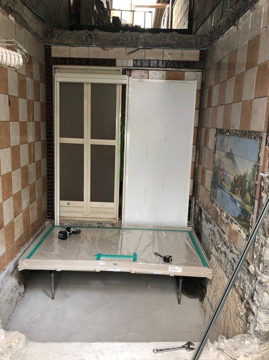 浴室リフォーム~システムバス組立中