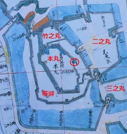 小峰図桜門