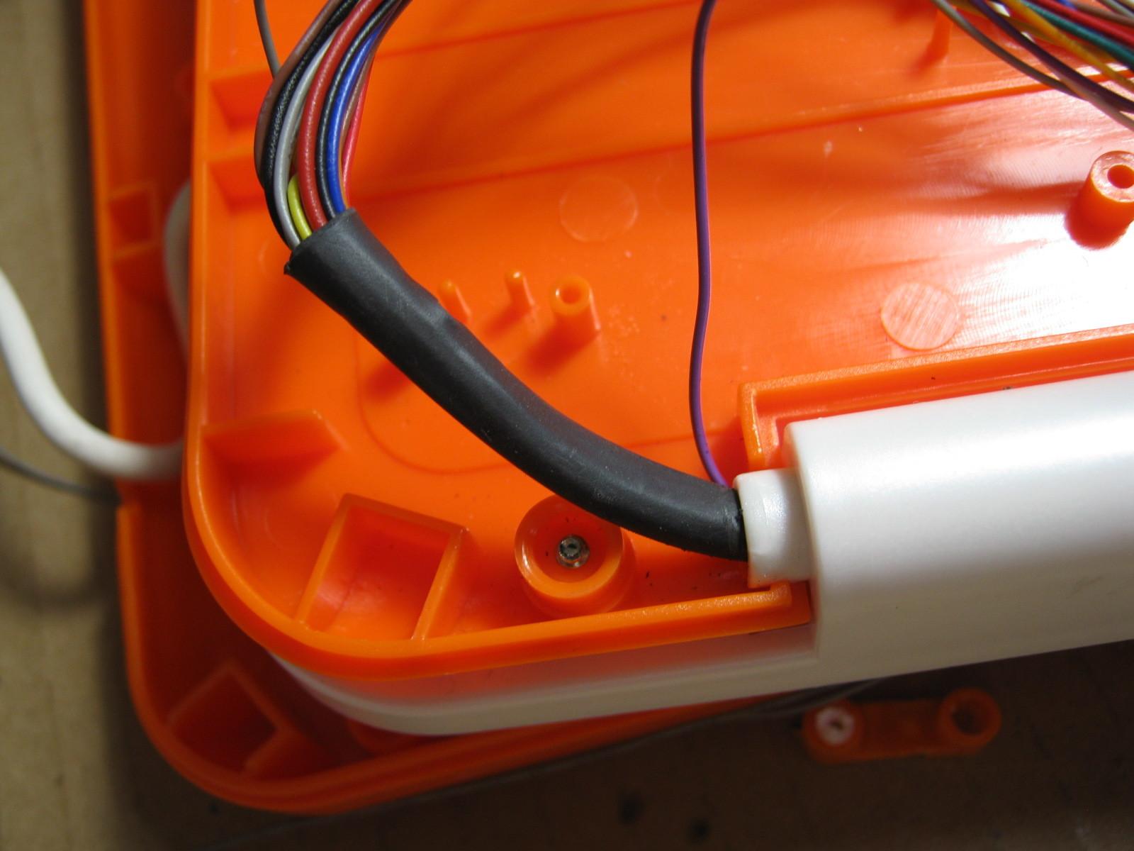 アンパンマンカラーパソコン(リード線断線)下側2