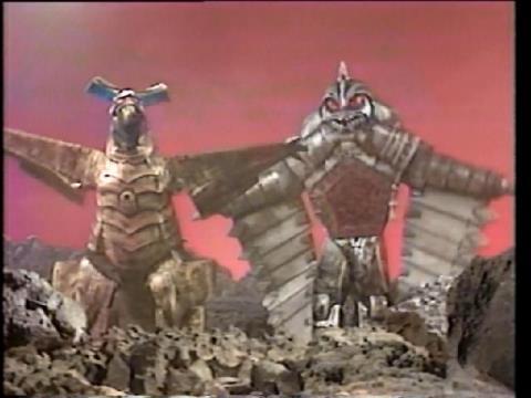 怪獣戦艦 ギエロニア & 怪獣戦艦 ベムズン