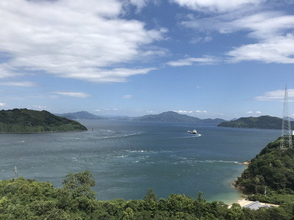 12_来島海峡と船