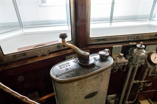 市電運転席