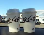 15:54 マックのコーヒー100円×2