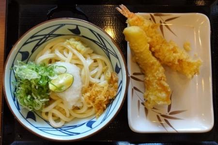 おろし醤油うどん(並・冷) 380円 + いか天 120円 + 大海老天 290円