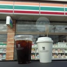 アイスコーヒー L 180円、ホットコーヒー R 100円