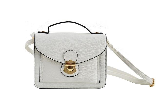 handbags-white-2472100_640.jpg