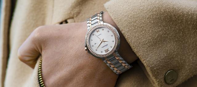 wristwatch-1149669_640.jpg