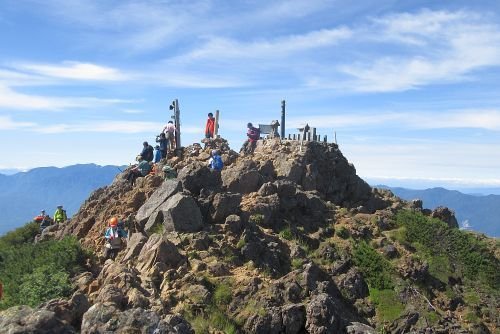 赤岳山頂の景観