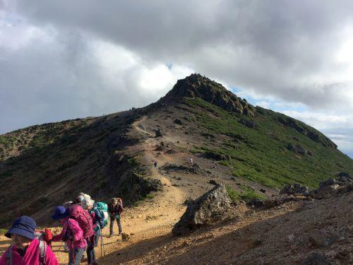 山頂を振り向く