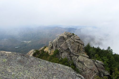 もう1つの岩山