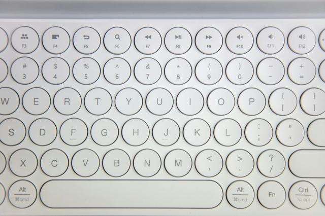 MIIIW_Dual-mode_Keyboard_02.jpg