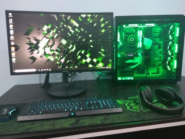 PC_Desk_126_03.jpg