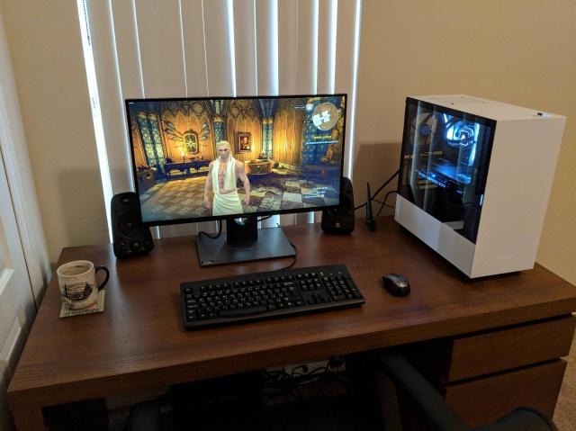 PC_Desk_126_06.jpg