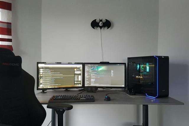 PC_Desk_126_12.jpg