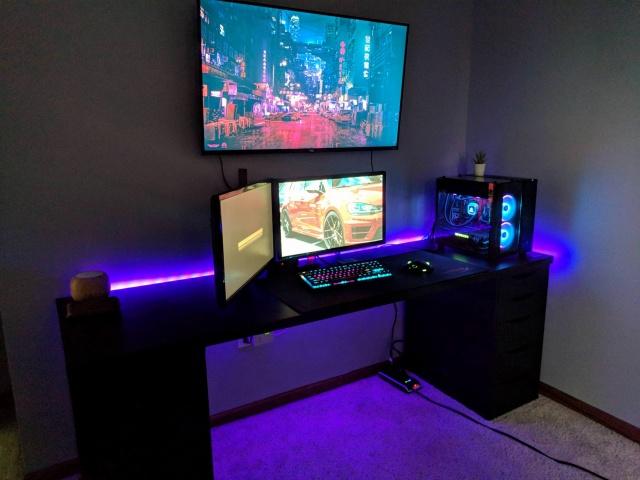 PC_Desk_126_29.jpg