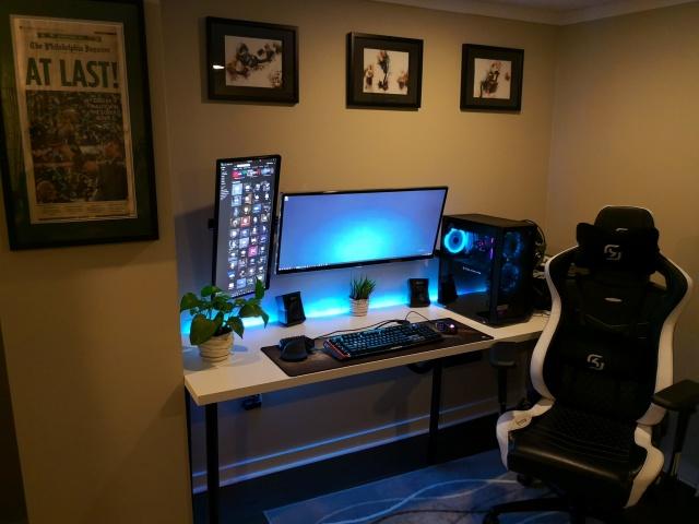 PC_Desk_126_33.jpg