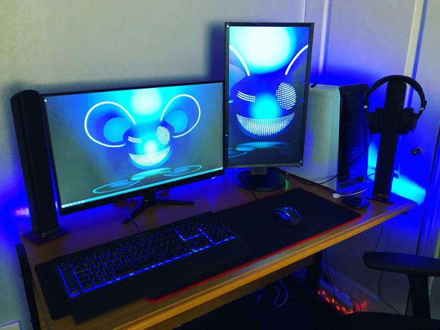 PC_Desk_126_40.jpg