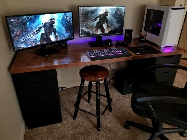 PC_Desk_126_52.jpg