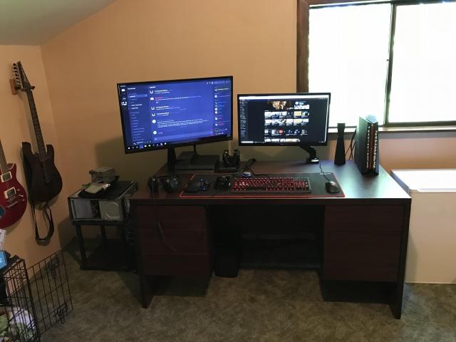 PC_Desk_126_53.jpg