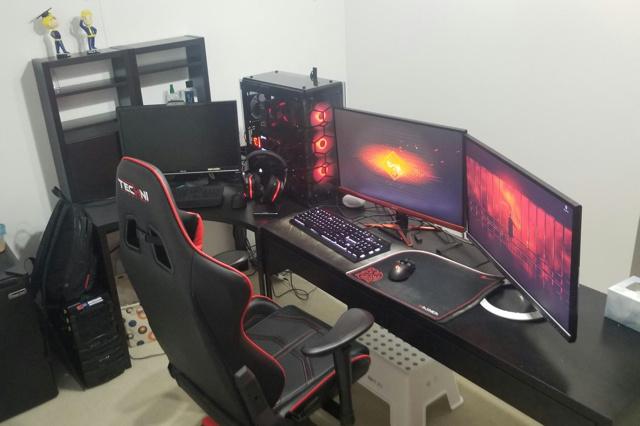 PC_Desk_126_54.jpg