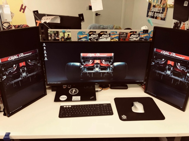 PC_Desk_126_66.jpg