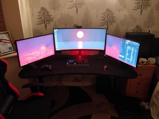 PC_Desk_126_67.jpg