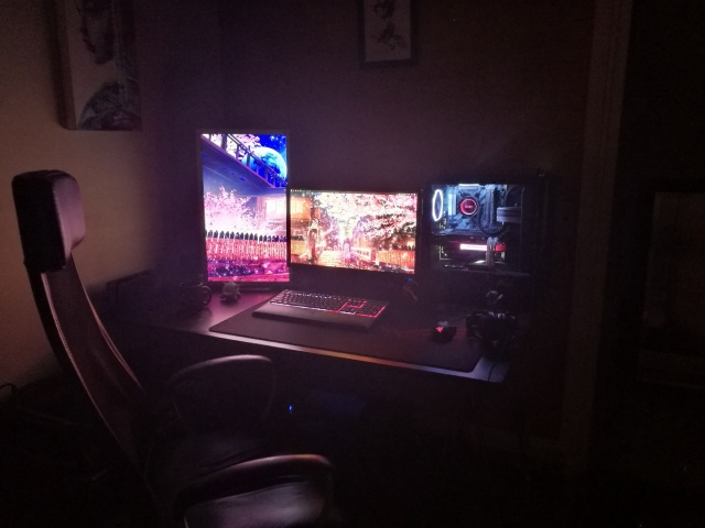 PC_Desk_126_71.jpg