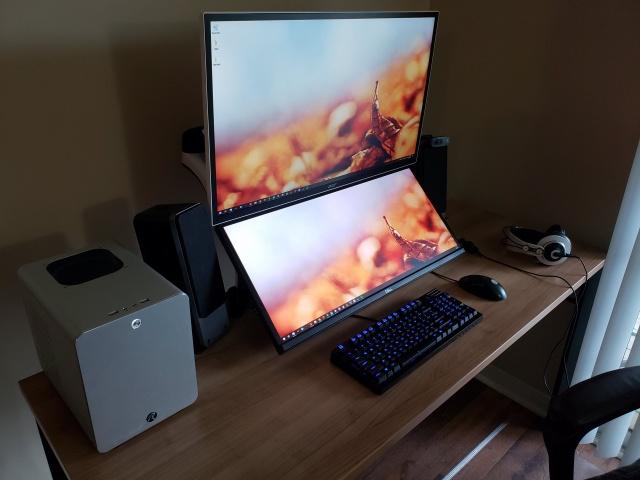 PC_Desk_126_82.jpg