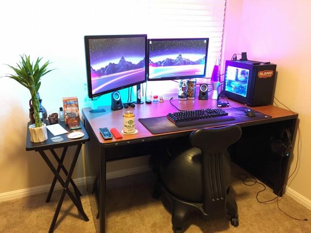 PC_Desk_126_91.jpg