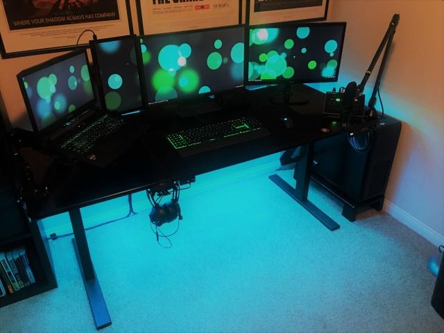 PC_Desk_126_94.jpg