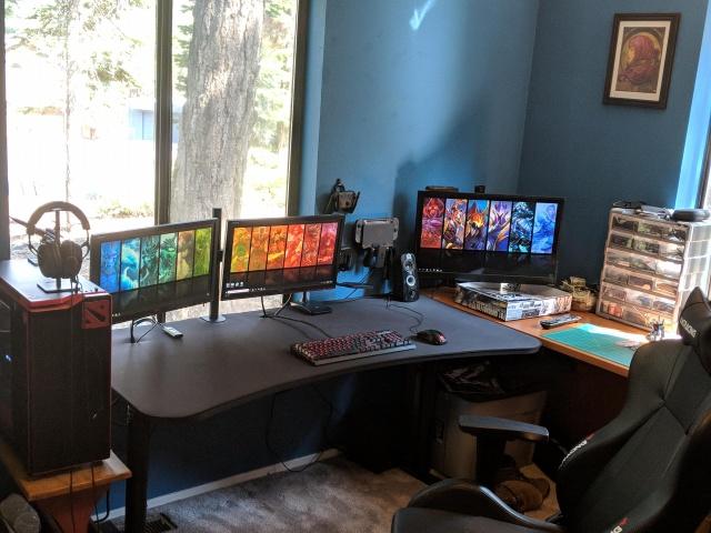 PC_Desk_127_19.jpg
